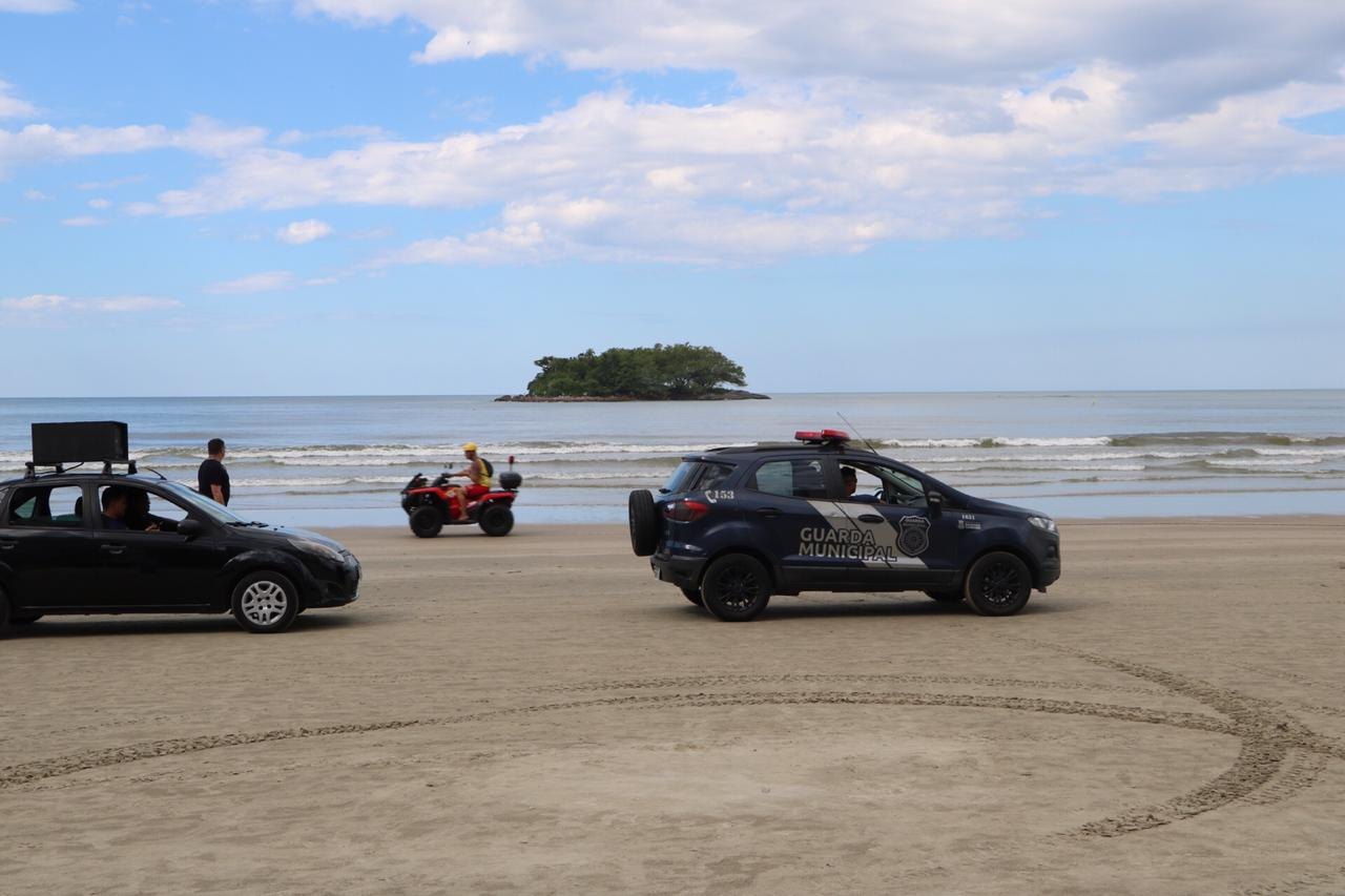 Balneário Camboriú interdita praias em medida contra coronavírus