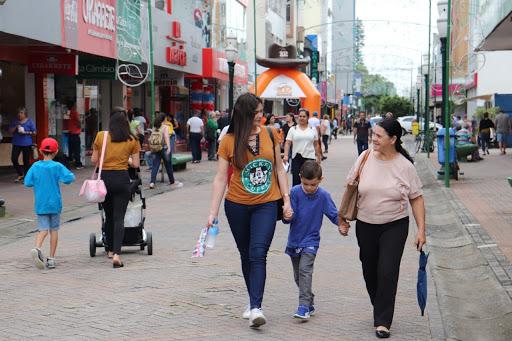 Comércio adota horário especial de Natal em Itajaí