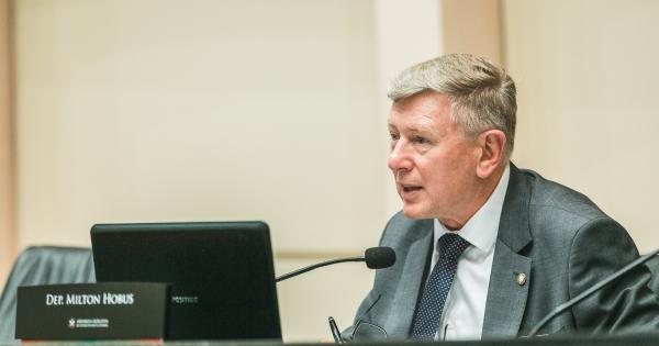 Milton Hobus viabiliza R$ 15 milhões para educação do Alto Vale